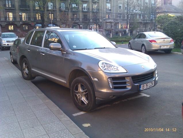 parcare blonda la drept