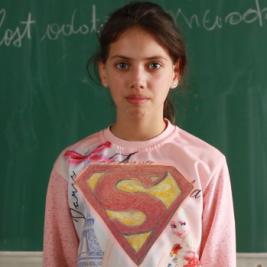 poza fetita roma - proiect the new storytellers